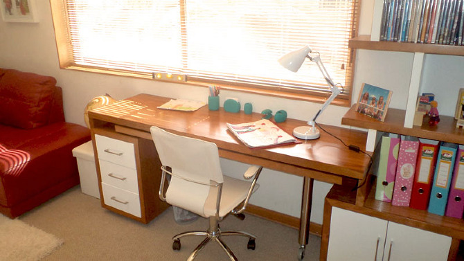 Muebles manzarda emiliofuentes for Muebles para estudio